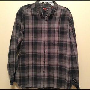Men's flannel long sleeved shirt
